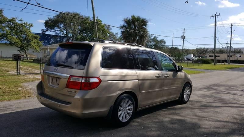 2005 Honda Odyssey Touring w/DVD w/Navi - D&S PreOwned | 2005 Honda Odyssey Touring |  | D&S Pre-Owned Auto Inc